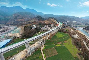 绵阳这条正在建设的高速,沿途风景媲美大片!