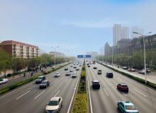 五一假期,哈尔滨市维修道路设施近7万平方米